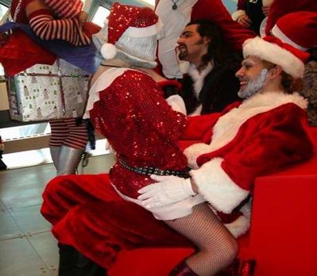 lapdance_santa