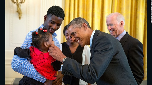 150605143951-obama-baby-oval-office-super-169